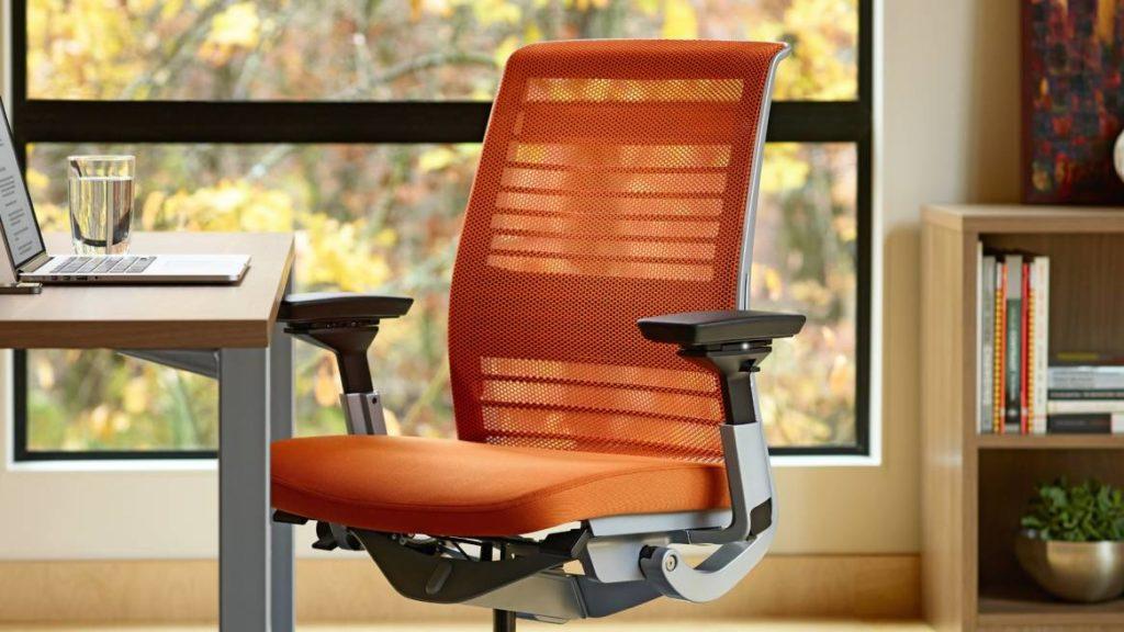 Как выбрать удобное и комфортное кресло в офис